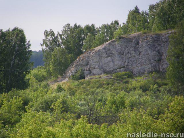 Вид на остатки Изылинской пещеры